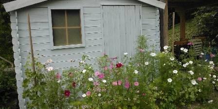 Chambres d'hôtes d'Hostun La cabane du jardin des Chambres d'Hostun, dans la Drôme