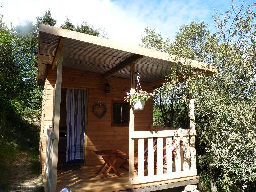 Bed & breakfasts Ardèche, from 64 €/Nuit. Unusual, Villeneuve de berg (07170 Ardèche), Swimming Pool, Park, Parking, Lounge, Kids Games, Bowls. A proximité : Aubenas 17 km, Drôme 20 km, Pont D`arc 20 km, Gorges De L`ardec...