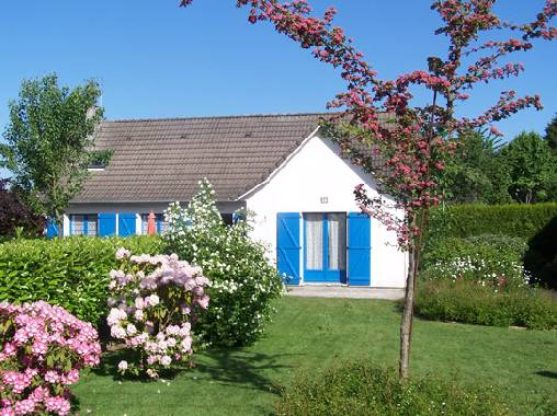 Bed & breakfasts Seine-Maritime, from 55 €/Nuit. House/Villa, Yvetot (76190 Seine-Maritime), Garden, WiFi, Baby Kits, Parking, 1 Single Bed(s), 1 Double Bedroom(s), 6 Maximum People, Library, 2 Clés Clévacances, Blue Card, Trave...