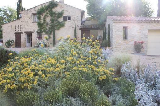 Chambre d'hote Vaucluse - L'entrée du prieuré