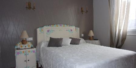 La Maison Bleue La chambre du rée de chaussée (lit double)