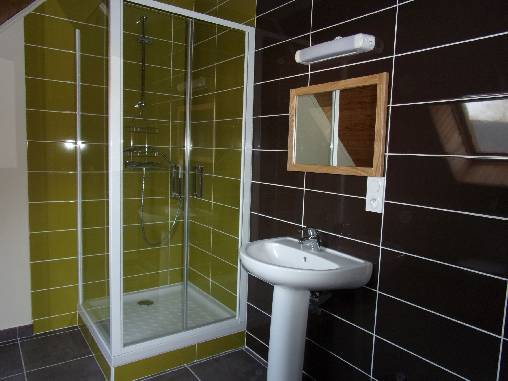 La salle d'eau de l'étage