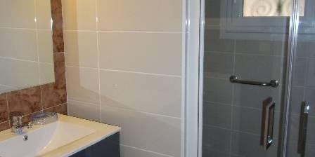 La Maison Bleue La salle d'eau du rée de chaussé