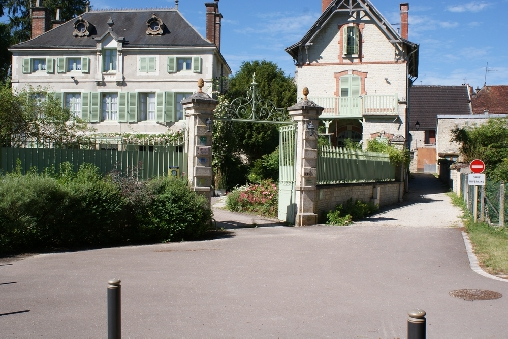 bed & breakfast Aube - La Roseraie : the entrance