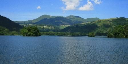 Gîte Guery Le lac Chambon et le massif du Sancy