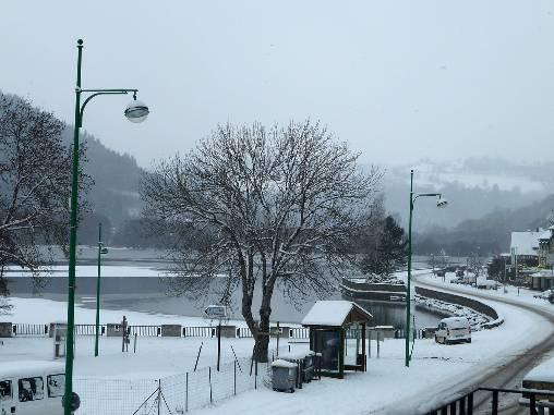 Le lac en hiver vu du gîte