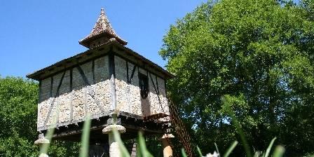 Les Gites du Mas d'Aspech Pigeonnier gite insolite lalbenque cahors saint cirq lapopie
