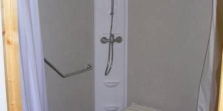 Le Pré Marin,<br> deux chalets accessibles La douche à l'italienne