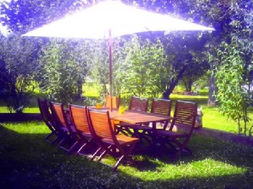 Chambre d'hote Yonne - un des salons de jardins