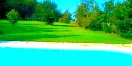 Les Salzards Vue de la piscine