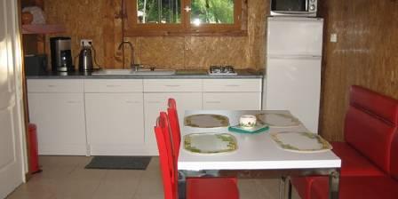 La Dorépontaise La cuisine de la yourte