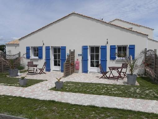 Bed & breakfasts Vendée, from 67 €/Nuit. House/Villa, Le fenouilleR (85800 Vendée), Swimming Pool, Garden, Disabled access, WiFi, T.V., Baby Kits, Parking, 2 Double Bedroom(s), 7 Maximum People, Kids Games, 3 Clevacances...
