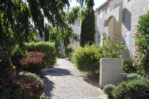 Location de vacances dans une résidence calme et fleurie