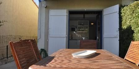 Lavandou Une terrasse donnant sur la cuisne