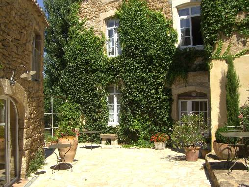 Bed & breakfasts Drôme, from 85 €/Nuit. House of character, Suze la Rousse (26790 Drôme), Charm, Guest Table, Swimming Pool, Garden, Net, WiFi, Baby Kits, 4 Double Bedroom(s), 1 Suite(s), 14 Maximum People, Lounge, Libr...