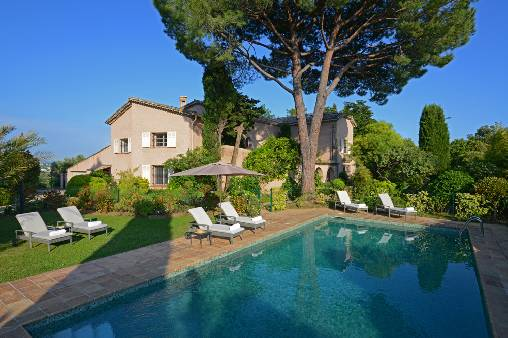 Bed & breakfasts Alpes Maritimes, from 170 €/Nuit. House of character, Saint-paul de vence (06570 Alpes Maritimes), Charm, Luxury, Swimming Pool, Garden, Net, WiFi, T.V., Baby Kits, Air-Conditioning, 3 Suite(s), 8 Maximum People,...