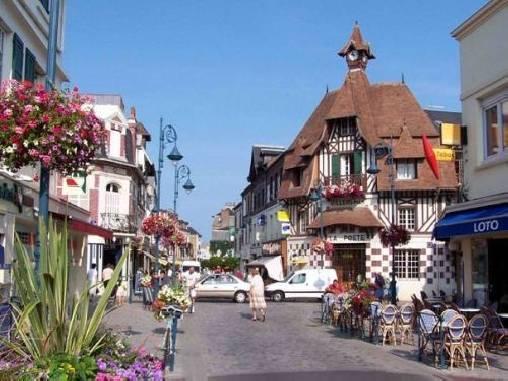 Le centre ville de Villers sur mer