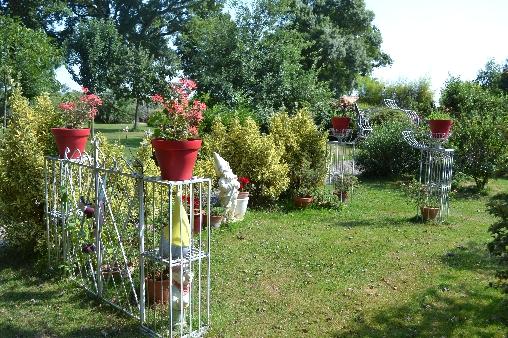 Le jardin clos  (plus de photos sur lafermedelecorce.com)