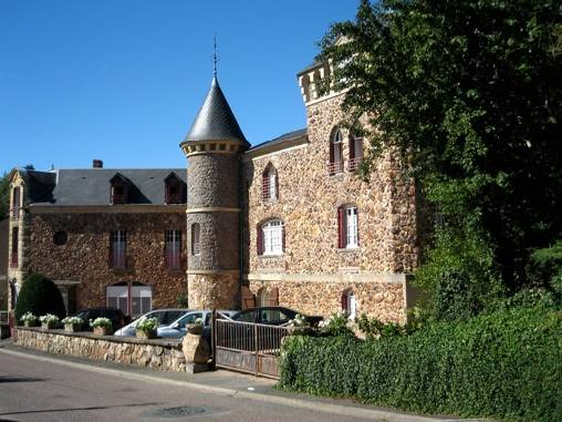 Bed & breakfasts Nièvre, from 90 €/Nuit. Castle, Saint Honoré les Bains (58360 Nièvre), Charm, Garden, Net, WiFi, T.V., Baby Kits, Parking, 2 Double Bedroom(s), 2 Suite(s), 12 Maximum People, Lounge, 4 Clés, Blue Card, T...