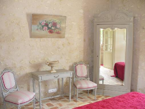 Bed & breakfasts Loir-et-Cher, from 90 €/Nuit. House of character, Saint Georges sur Cher (41400 Loir-et-Cher), Charm, Guest Table, Garden, WiFi, Baby Kits, Parking, 4 Single Bed(s), 4 Double Bedroom(s), 14 Maximum People, Lib...