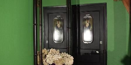 Gite Castel des Cèdres > hall d'accueil