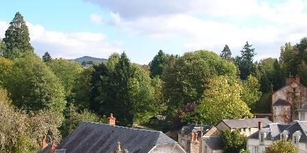 Castel des Cèdres Vue du castel sur le village