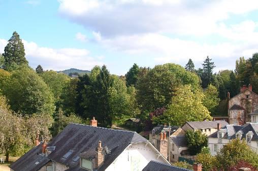 vue du castel sur le village