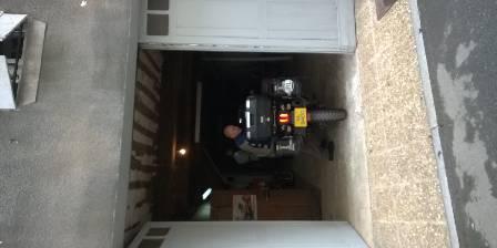 Belle Occitane Le garage à montures