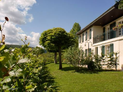Bed & breakfasts Côte-d\'Or, from 98 €/Nuit. House/Villa, Savigny-lès-Beaune (21420 Côte-d`Or), Charm, Luxury, Garden, WiFi, Baby Kits, Parking, 1 Double Bedroom(s), 3 Maximum People, Country View, South Direction, No Smokin...