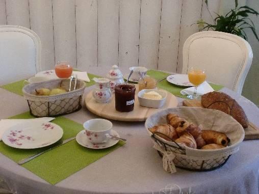 Chambre d'hote Côte-d'Or - Petit-déjeuner varié, sucré et/ou salé