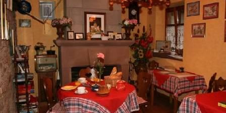 Chambres chez Mado Salle du petit déjeuner.