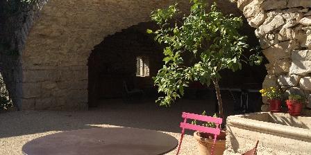 La Bastide Du Vigneron Petite terrasse privative devant chaque chambre