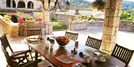 La Bastide Du Vigneron La table des petits-déjeuners d'été