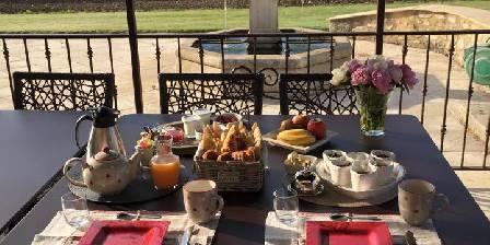 La Petite Campagne Les petits déjeuners en terrasse