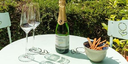 Le Chêne Rouge Se détendre autour du verre de vin d'Alsace et d'un kouglof