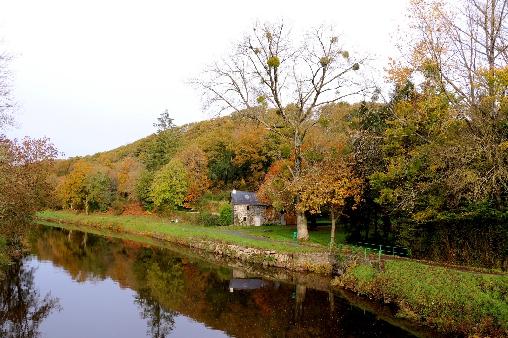 Le canal de Nantes àBrest à Pleyben