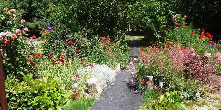 Gîte Chez Josy Le jardin fleuri