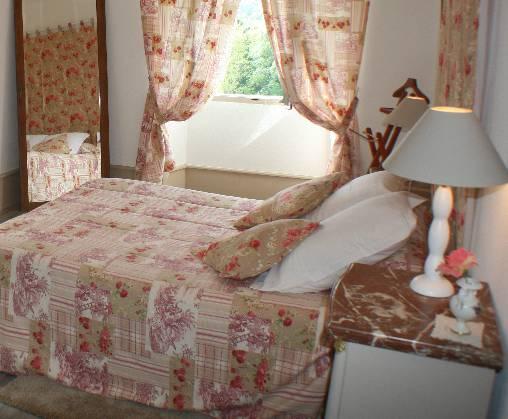 Chambre d'hote Ariège - chambre Coquelicots