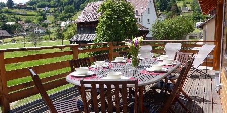 Chalet Le Rebberg Détente, repas sur la terrasse plein sud!