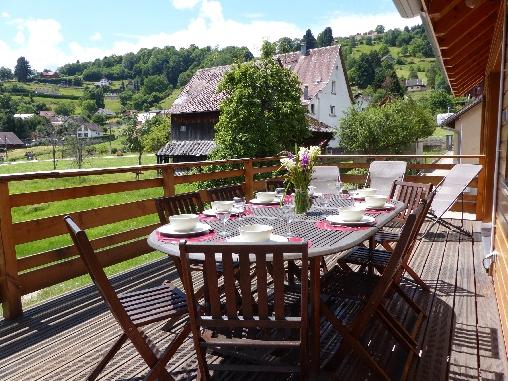 Détente, repas sur la terrasse plein sud!