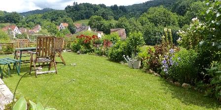 Chalet Le Rebberg Profitez du jardin!