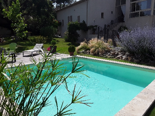 Bed & breakfasts Vaucluse, from 70 €/Nuit. Lauris (84360 Vaucluse)....