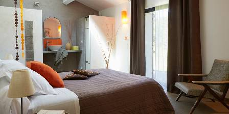 Bed and breakfast Au Coin des Figuiers > Room 2