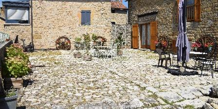 Entre Dolmens et Fontaines La terrasse