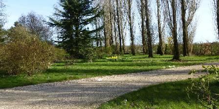 Gîte de La Roseraie Notre jardin : aucun vis à vis