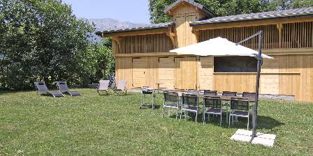 La Belle Etoile La Belle Etoile : Jardin avec barbecue et transats
