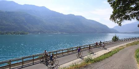 La Belle Etoile Entre Lac et Montagnes : La voie verte du lac d'Annecy