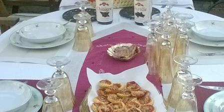 La Dame Blanche Table d'hotes en exterieur