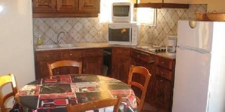 Gite Vos Vacances à Vogüé Ardèche > coin cuisine