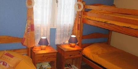 Gite Vos Vacances à Vogüé Ardèche > Chambre 2